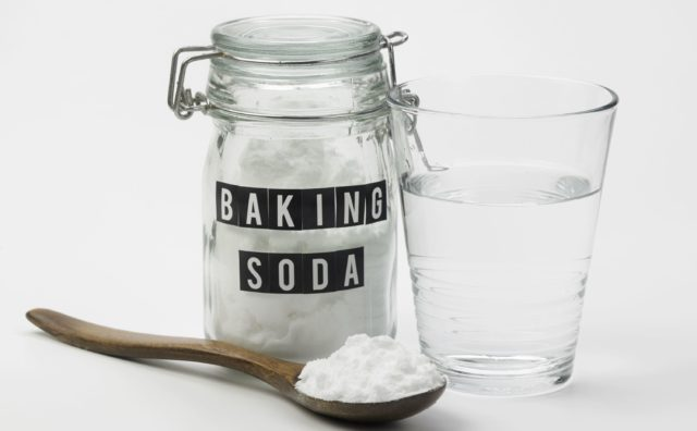 Baking-Soda-Healthline-640x396